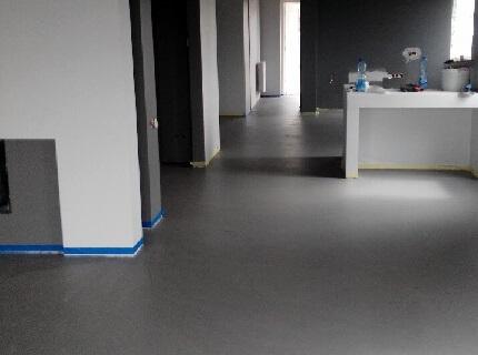posadzka betonowa z mikrocementu Łomianki